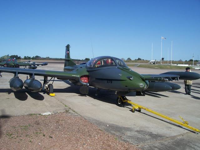 Resultado de imagen de cazas Cessna y Pukará