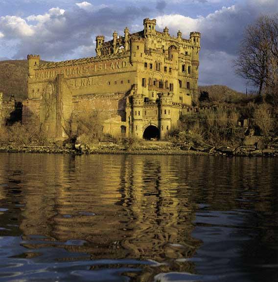 Bannerman S Castle Abandoned Military Surplus Warehouse Pollepel Island Hudson River New York Usa