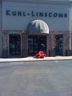The front entry of Kuhl-Linscomb in Houston