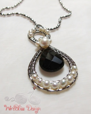 "The Lucky Number ""8"" - Pendant with pearl and Smoky Quartz"