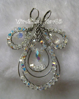 Sparkling Pipa Pendant and Earrings Set
