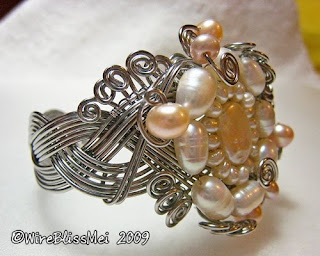 side view of braided wire cuff