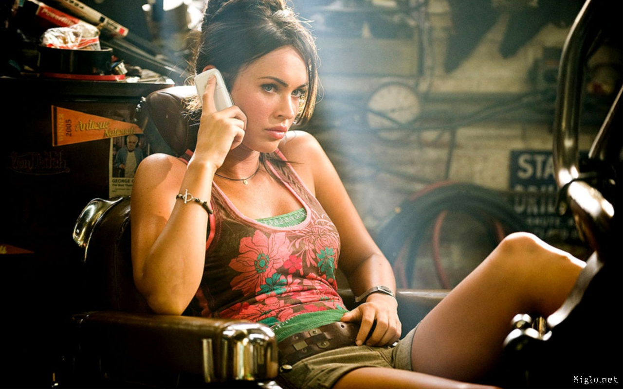 Luxual Boutique: Get her look: Megan Fox ~ Transformers 2