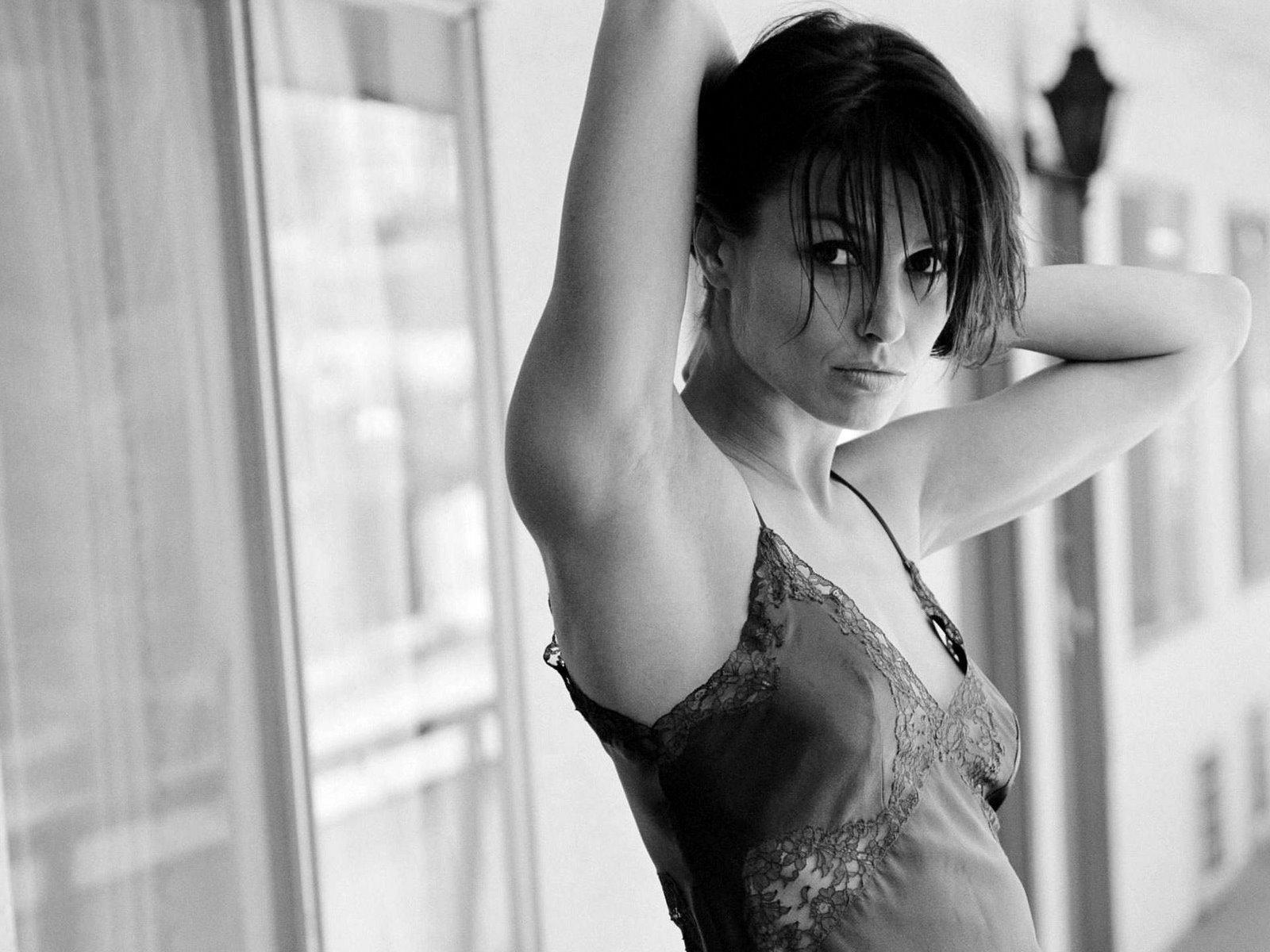 Bridget Moynahan Hot Pictures  Bikini Sexy Photoshoot  Girls Wallpapers  Movie DVD Music Reviews