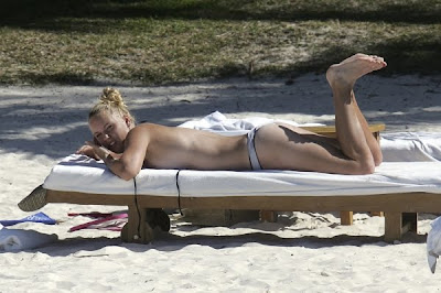 mauritius-topless-beach-topless-huge-boobs-skinny