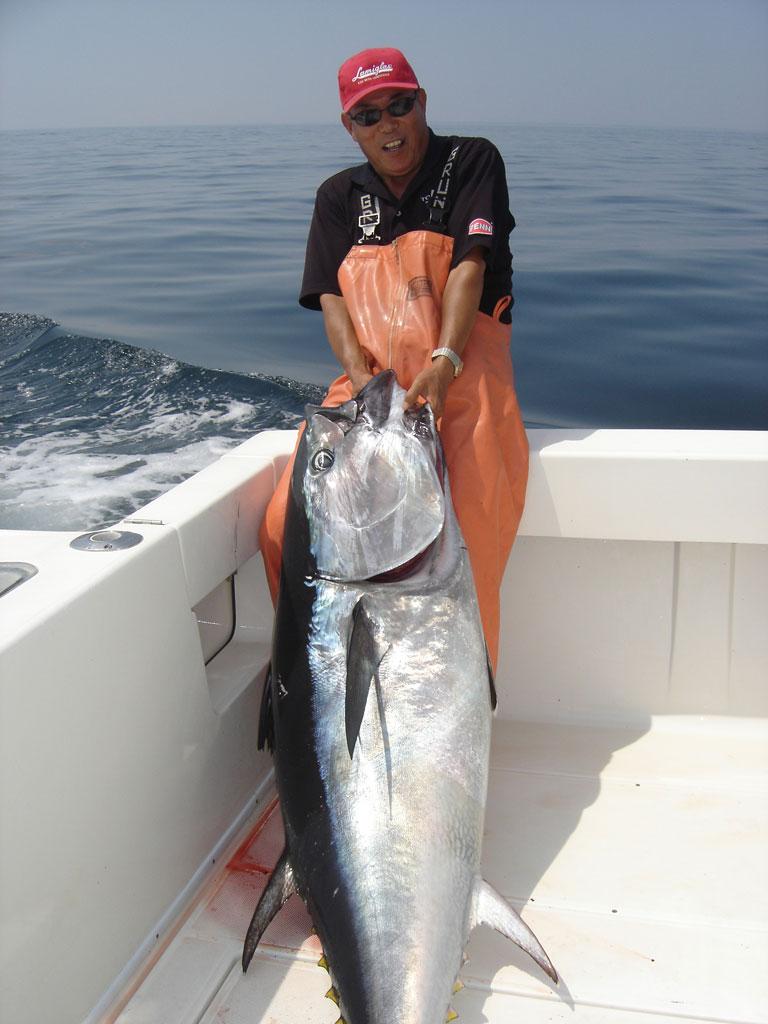 Видео от ловли до продажи тунца как на Дискавери Испания Ловля тунца в средиземном море