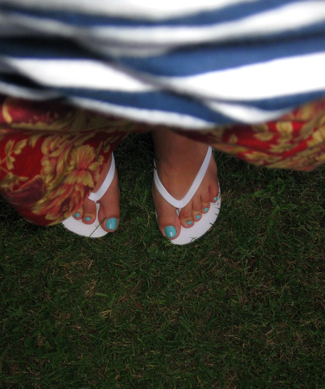 d9de7085665a Old Navy flip-flops with DIY bows and buttons (Joann s ribbons
