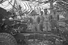 1942MALAYA: British 25 pounder Gun