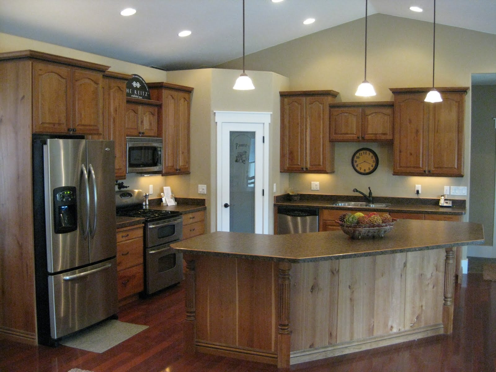 Kitchen Cabinets With Black Trim R And R Cabinets Inc Cherry Cabinets With Mocha Glaze And