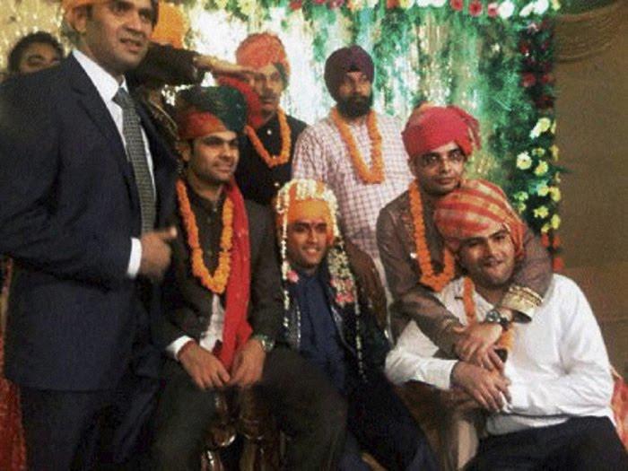 Telugu Cinema News: Mahendra Singh Dhoni – Marriage Photos