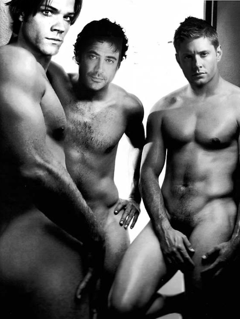 spread movie nude photos