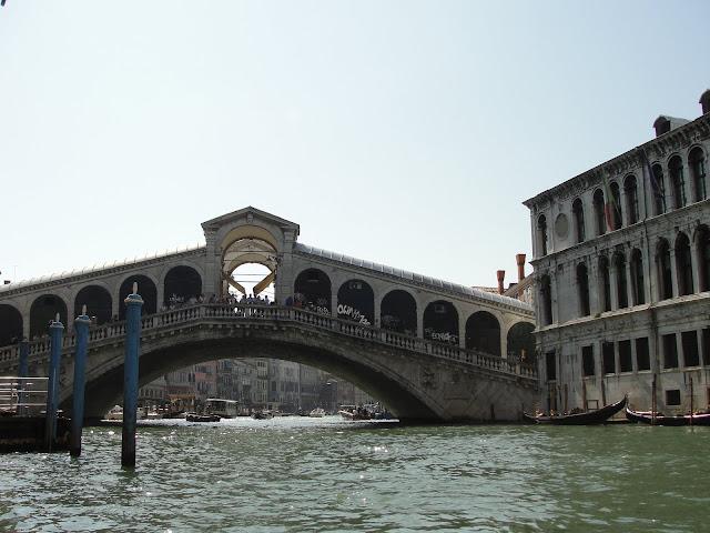 Passeio de Gôndola, Veneza, Itália.