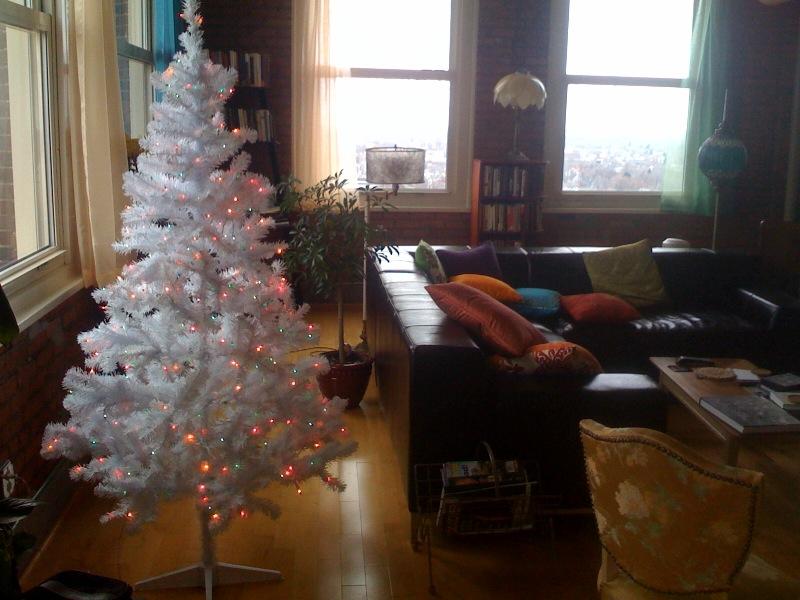Good Morning Babycat: Our $35 White Walmart Christmas Tree