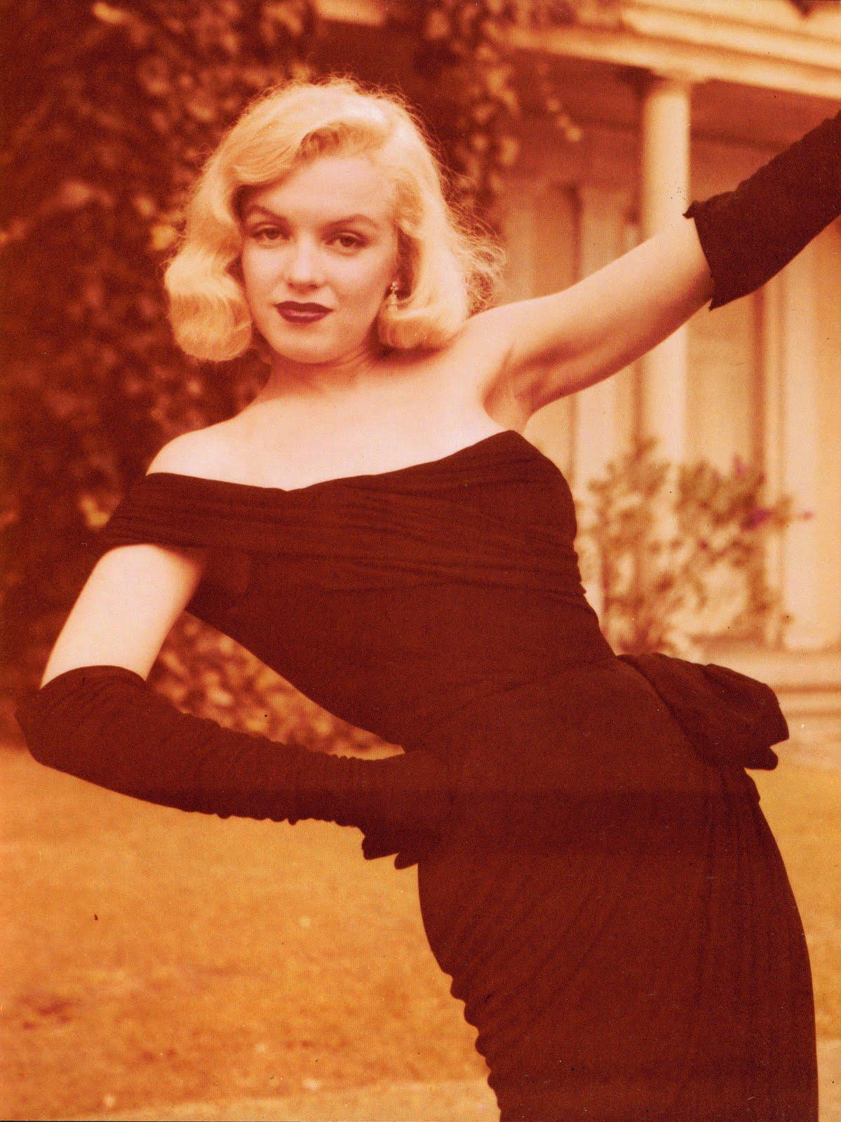 Marilyn Monroe Living Room Decor: WEIRDLAND: Iconic Beauties (Marilyn Monroe, Kirsten Dunst