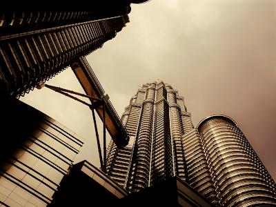 city skyline modern acrhitecture