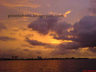 sunset photograph taken from marine drive India cochin,tropical sunset pictures,sunset picture from kerala,one of the beautiful sunsets from ernakulam photographed from marine drive