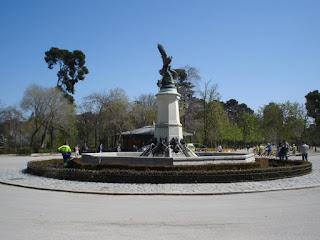 La estatua del Ángel caido