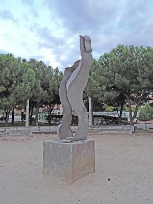 Una escultura muy muy fea