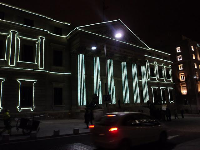 Iluminación de navidad por las calles de Madrid. EL Congreso de los diputados