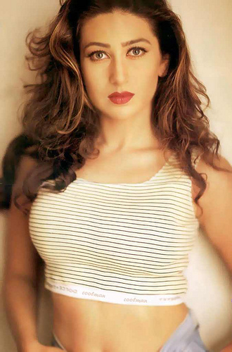 how old is karishma kapoor