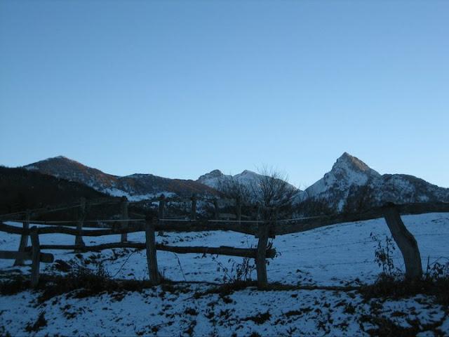 Rutas Montaña Asturias: De vuelta, desde Les Bedules, el Recuencu