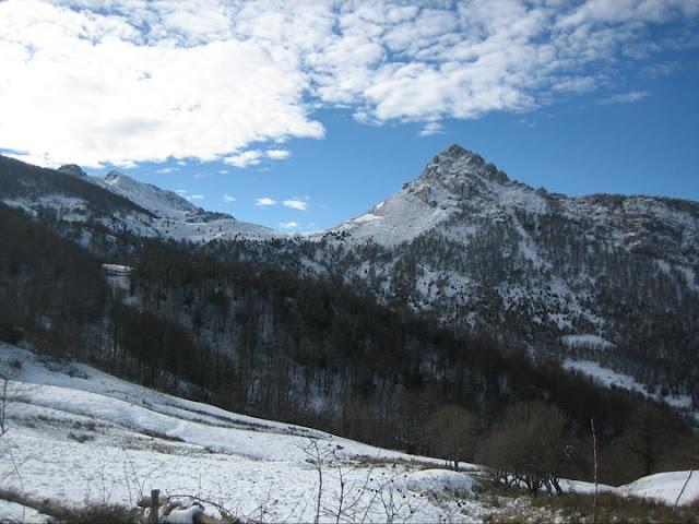 Rutas Montaña Asturias: Seguimos el camino sin perder de vista el Recuencu