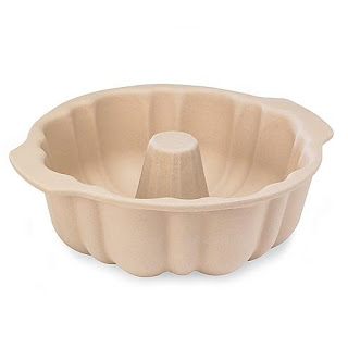 Product Review: The Pampered Chef's Fluted Pan Stoneware