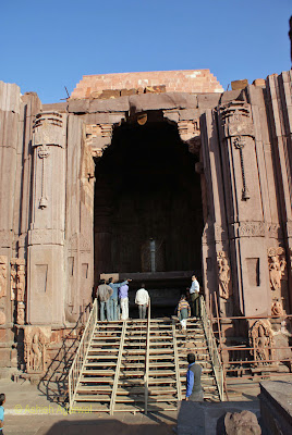 A cross section of the front of the Shiva temple at Bhojpur in Madhya Pradesh
