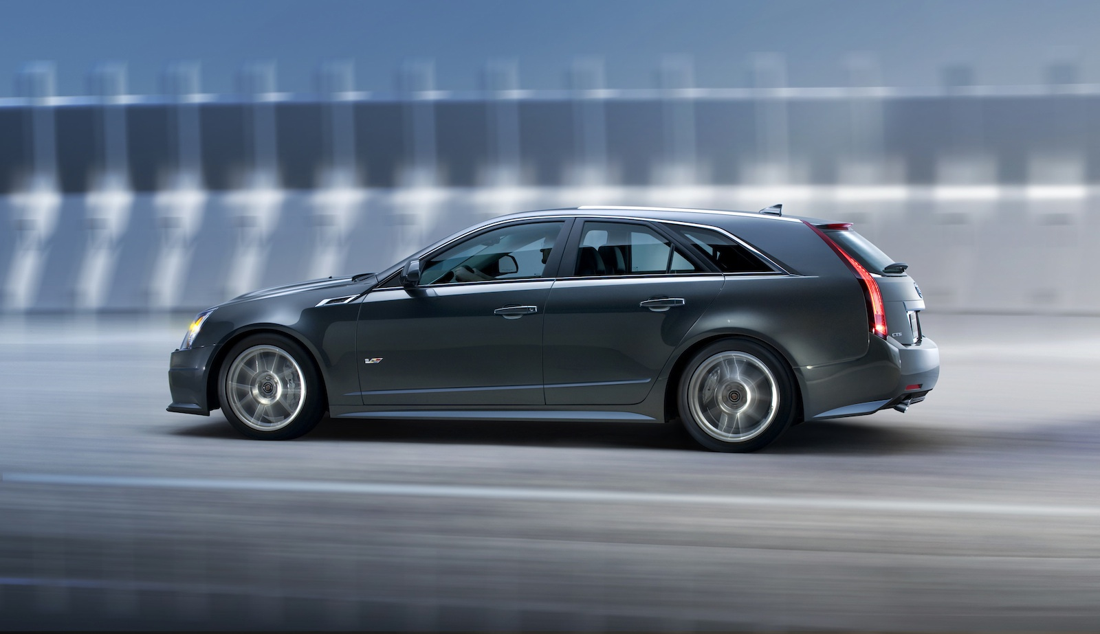road car pictures 2011 cadillac cts v sport wagon. Black Bedroom Furniture Sets. Home Design Ideas