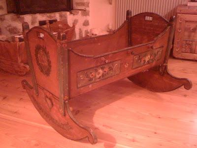 Il mondo di l regalo antico for Regalo mobili vecchi