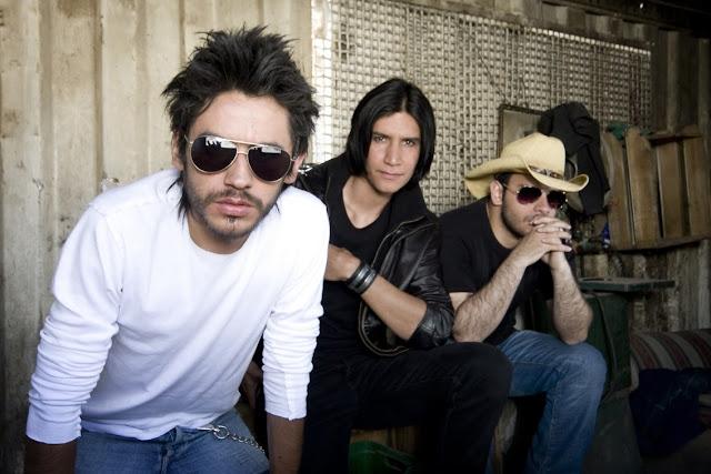 Desde sus inicios en el 2002 junto a la primera alineación y bajo el nombre INSTINTO se crea un ambiente musical haciendo covers de artistas como: (La Ley, Soda Stereo, Audioslave, Radiohead, Robi Draco, 3 Doors Down)