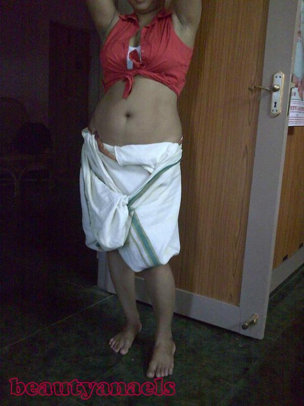 Desi Chudai Cochin Mallu Aunty Bra  Panty Show  Hotel Room-5850