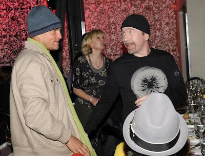 The Edge y Woody Harrelson en Sundance