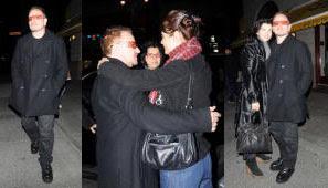 Bono, Ali Hewson y la modelo Helena Christensen