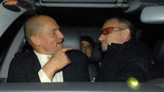 Bono y Woody Harrelson 2