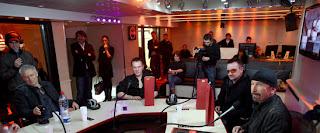 U2 en la radio francesa NRJ 3