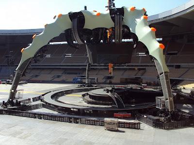 U2 360 Tour escenario Sevilla completamente montado