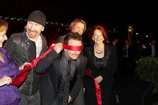 U2 en el dia mundial del sida 2010