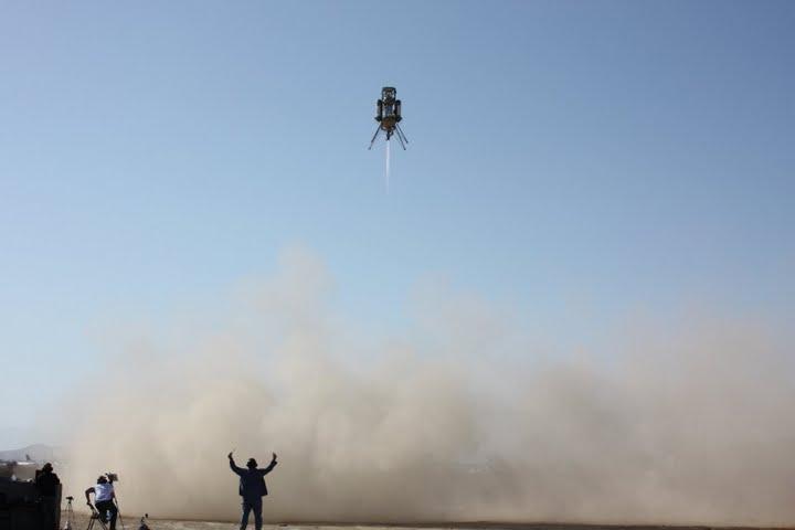 Masten Space System's Xombie flies the Lunar Lander Challenge