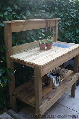 le jardin des grandes vignes table de rempotage. Black Bedroom Furniture Sets. Home Design Ideas