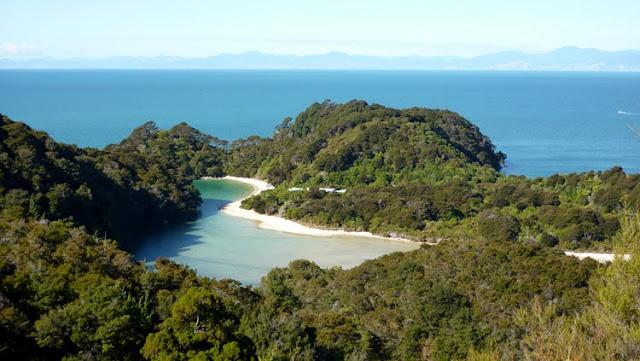 Ver el paisaje de Abel Tasman en Nueva Zelanda te deja sin palabras