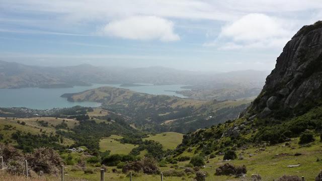 Akaroa lo tiene todo: mar, montaña, delfines, vistas increíbles...