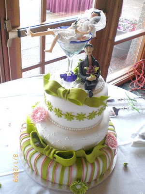 Random Wedding Cake of the Day: Martini Bride
