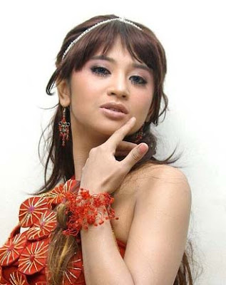 Dewi Persik mengaku pernah rekam adegan seks bersama Ipul