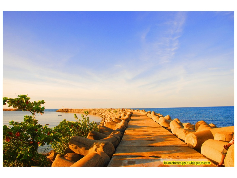 Info Benteng Lautan Di Marang Terengganu Merupakan Tempat Yang Paling Tenang Untuk Pengunjung Beristerehat Sambil Menghirup Udara Segar Serta