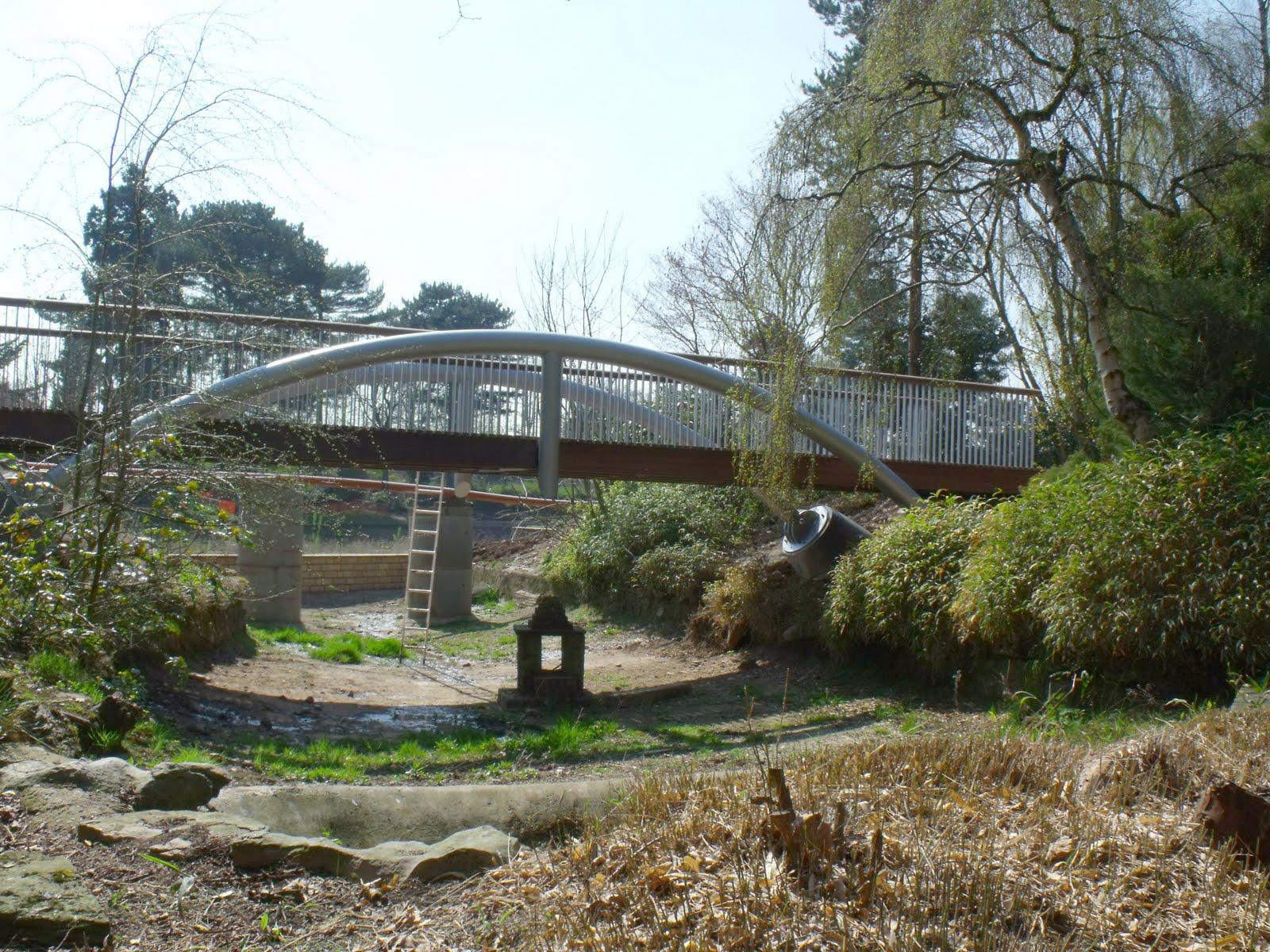 Queens Park Crewe: Queens Park Bridges
