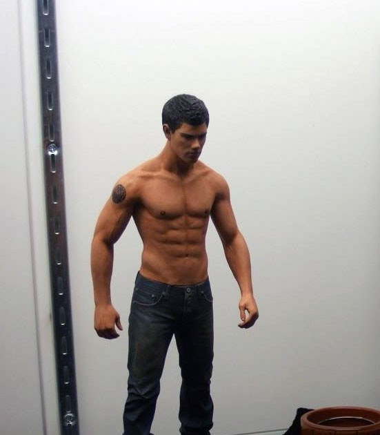 Twilight Forevermore: Shirtless Jacob Black Action Figure