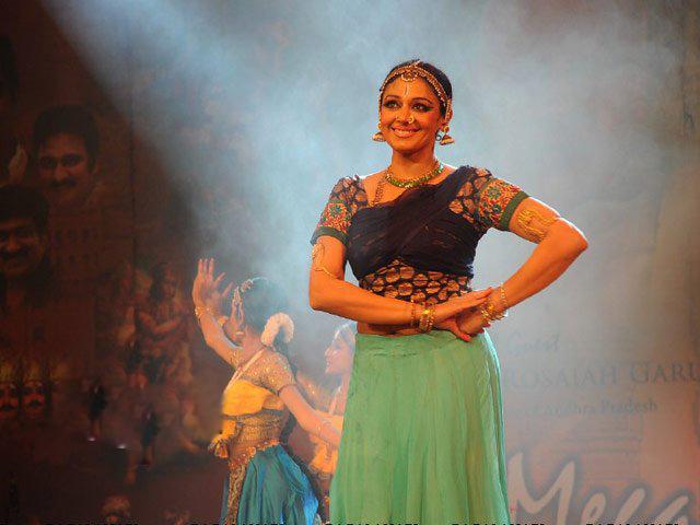 Actress Shobana Dancing Picture Gallery