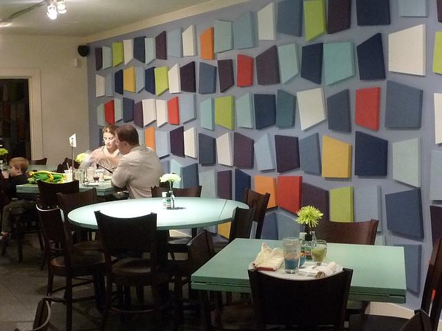 Mak Ai Serabutnya Sebelah Atas Tu Restaurant Yang Menarik Tapi Kalau Aku Tempat Mcm Ni Sekali Sekala Pergi Boleh Lah Tak Begitu Rilex