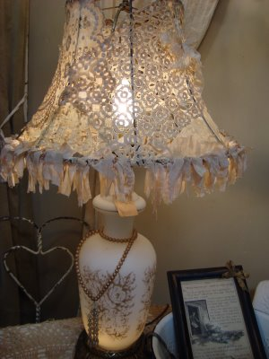 lace+lampshade (image)